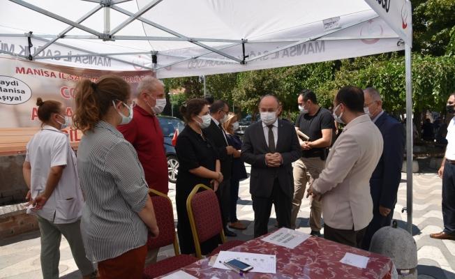 Vali Karadeniz Akhisar'da temaslarda bulundu