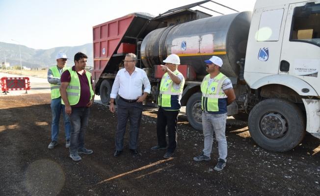 Yunusemre'de 6 sokakta sathi kaplama çalışması yapıldı