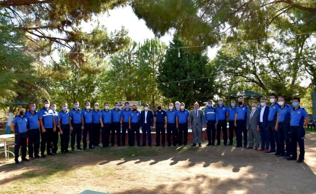 Başkan Çelik zabıta ekibini kutlayıp, teşekkür etti