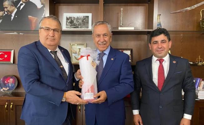 Başkan Çerçi başkent protokolünü Yuntdağı Geleneksel Yağlı Güreşlerine davet etti