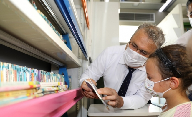 Gezici Kütüphane yaz tatilinde bin 500 öğrenciye ulaştı^