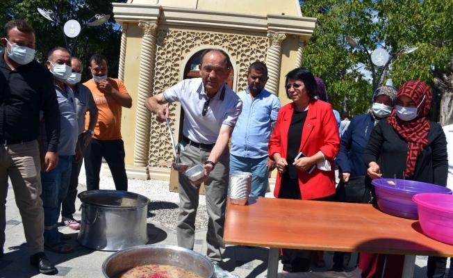 Gördes AK Parti'den bin kişilik aşure hayrı