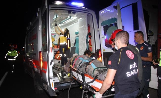 Kontrolden çıkan otomobil evin bahçesine uçtu: 1 yaralı