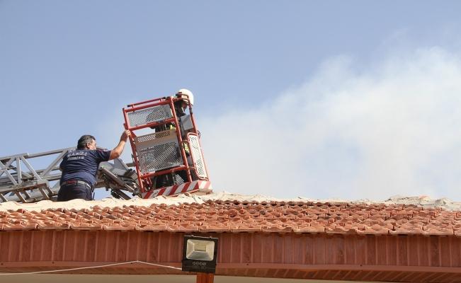 Kula'da çatı yangını korkuttu