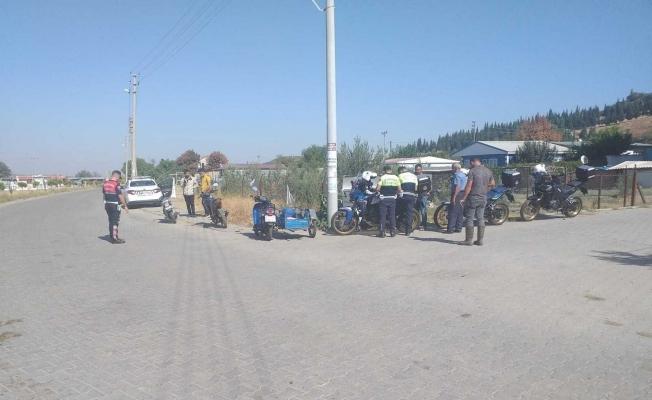 Manisa'da jandarma ekiplerinden motosiklet denetimi