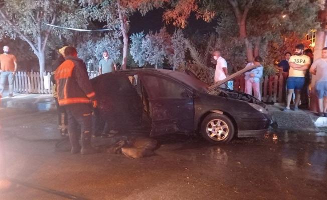 Park halinde araç yandı