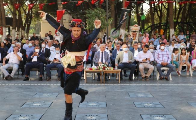 Saruhanlı'da 14. Altın Üzüm ve Kültür Festivali başladı