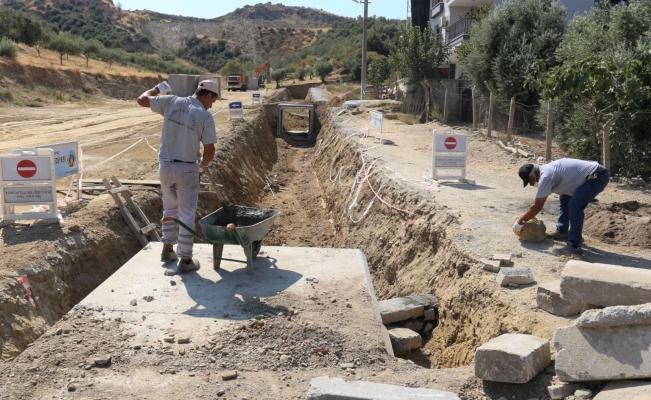 Turgutlu Belediyesi ekipleri kentin birçok noktasında çalışmalarına devam ediyor