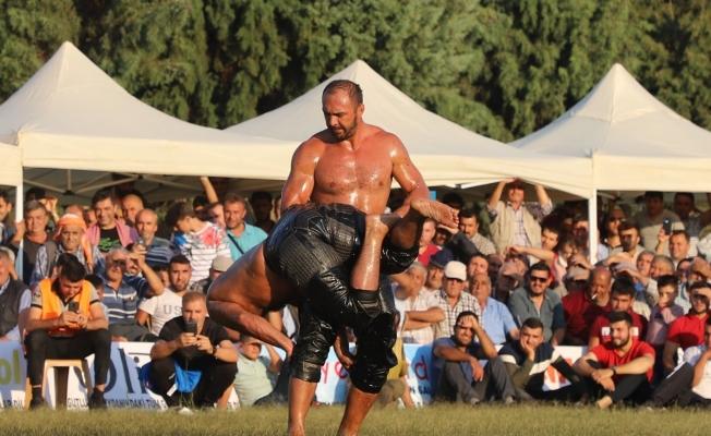 Turgutlu Belediyesi yağlı güreşlere hazırlanıyor