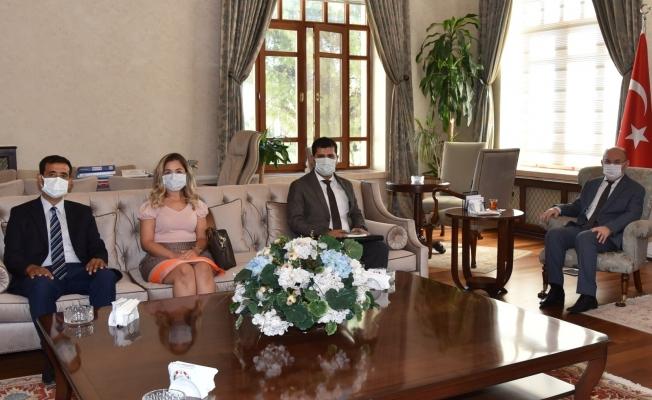 Vali Karadeniz'i TÜBİTAK projeleri hakkında bilgilendirdiler