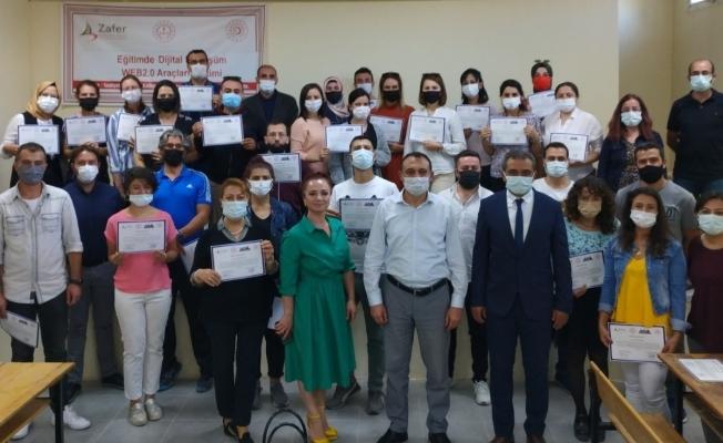 Alaşehir'de 40 öğretmen 'Dijital dönüşüm eğitimi' sertifikası aldı