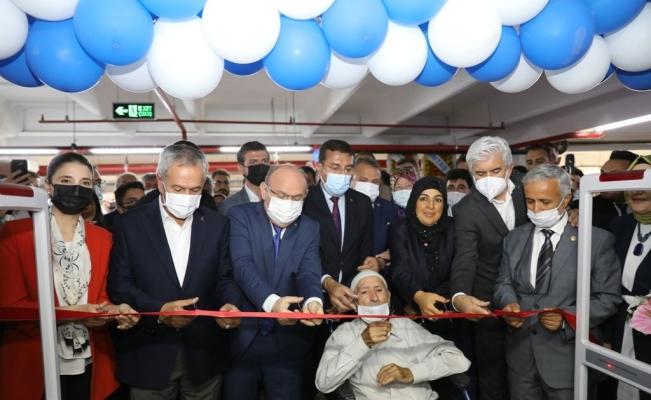 Hafız Ahmet Şen Gençlik Akademisi ve 'Kitap Kahvem' törenle açıldı
