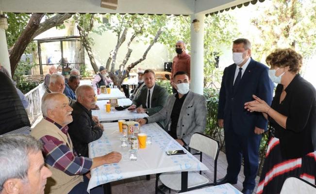 Manisa Büyükşehir yaşlıları unutmadı