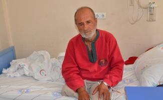 Yunusemre Belediyesi engelli ve yaşlı adama sahip çıktı