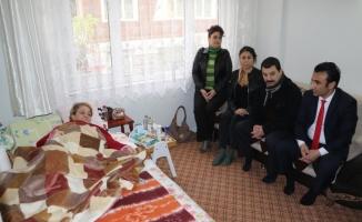 Hareket güçlüğü çeken kadına evde bakım desteği