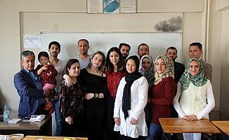 Bir ayda Türkçeyi öğrendiler