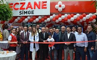 Simge Eczanesi açıldı