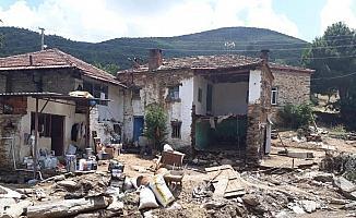 Manisa'daki sel felaketi kamerada