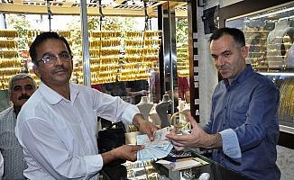 Manisa'da STK'lar altın ve dolar bozdurdu