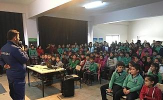 Alaşehir'de jandarmadan öğrencilere trafik eğitimi