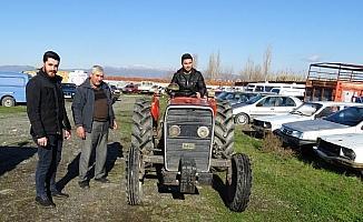Sarıgöl'de çalınan traktör, 3 yıl sonra Salihli'de bulundu