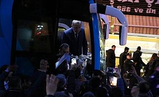 Cumhurbaşkanı Erdoğan'dan vatandaşlara çay ikramı