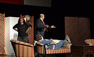 Madde bağımlılığına karşı 'Hayatına tiyatro'