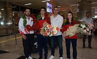 Avrupa ikincisi cimnastikçiler yurda döndü