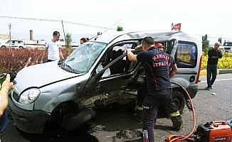 Manisa'da trafik kazası: Biri ağır 2 yaralı