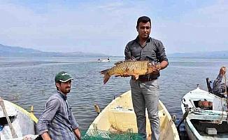 """Denizi olmayan Manisalı balıkçılar """"Vira Bismillah"""" dedi"""