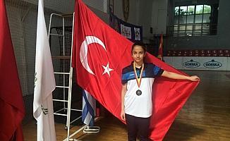 Yılmaz, Balkanlar'dan bronz madalya ile döndü