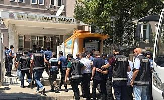 Yeniden yapılanmaya çalışan FETÖ'ye darbe: 33 gözaltı