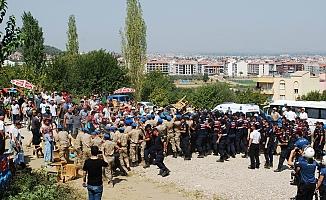 Manisa'da JES eylemine müdahale: 26 gözaltı