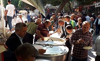 Alaşehirli muhtarlardan Mehmetçik için pilav hayrı