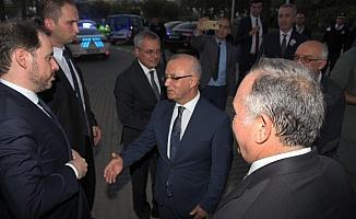 Bakan Albayrak, Manisa'da MHP'li belediyeyi ziyaret etti