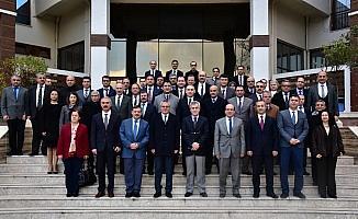 Vali Deniz'den kurum müdürlerine 'bürokrasiyi azaltın' talimatı