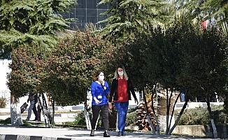 Celal Bayar Üniversitesi Rektörlüğü 'karantina' iddialarını yalanladı