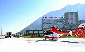 Manisa Şehir Hastanesi heliport alanına ilk ambulans helikopter indi