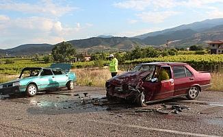 Alaşehir'de trafik kazası: 5 yaralı
