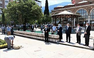 Manisa'da cuma namazı öncesi şükür için hayvan kesildi