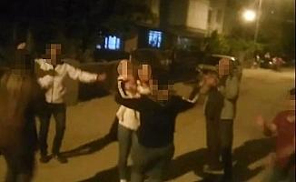 Manisa'da kısıtlama günü sokakta davul çalıp oynadılar