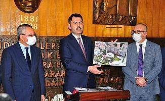 Bakan Kurum, Manisa'da dev kentsel dönüşüm çalışmalarının müjdesini verdi