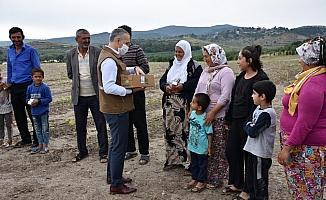 Dünya Süt Günü'nde çiftçilere süt ikramı
