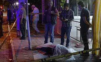 Manisa'da bıçaklı kavga: 1 ölü