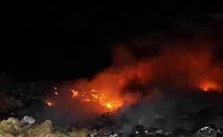 Manisa'da çöp depolama alanında yangın