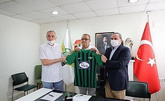 Akhisarspor forma reklamı için sponsorluk anlaşması imzaladı