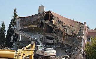 Manisa'nın 'siyaset okulu' yıkıldı