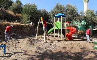 Turgutlu Belediyesinden Akçapınar Mahallesine yeni çocuk oyun alanı