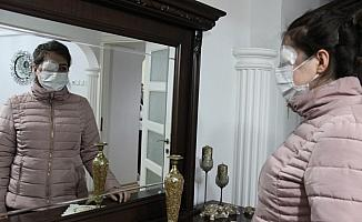 (Özel) Kazada göz kapağını kaybeden genç kız ameliyat olup aynalarla barışmak istiyor