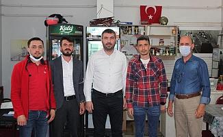 İYİ Partili Akan'dan kahvecilere hayırlı olsun ziyareti
